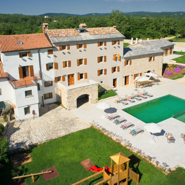 Villa Stancija Groznjan, Vacation villas, apartments and hotels in Croatia - Charming Croatia  - Apartmanica