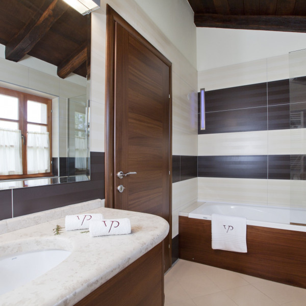 Bathroom / WC, Villa Stancija Groznjan, Vacation villas, apartments and hotels in Croatia - Charming Croatia  - Apartmanica
