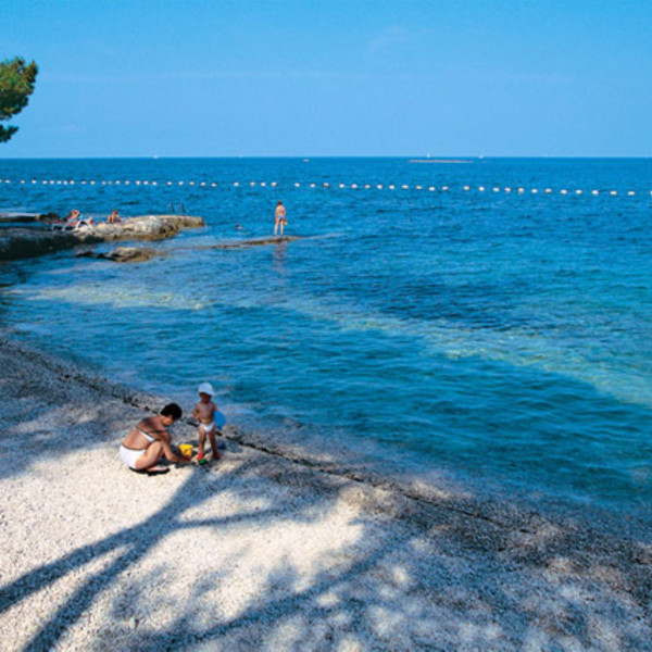 Flying to Istria, Villas with pool, holiday houses and hotels in Croatia - Charming Croatia