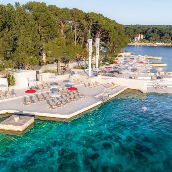 Hotel Bellevue offer, Vacation villas, apartments and hotels in Croatia - Charming Croatia