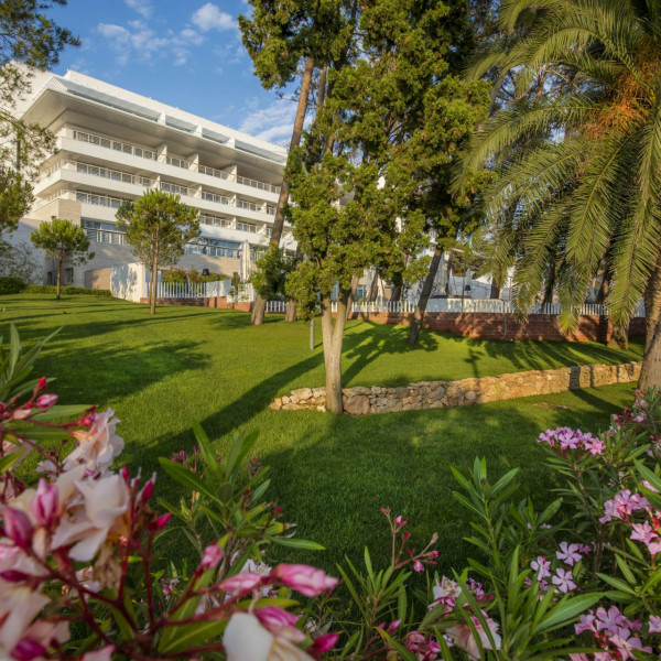 Hotel Bellevue offer, Vacation villas, apartments and hotels in Croatia - Charming Croatia  - Apartmanica