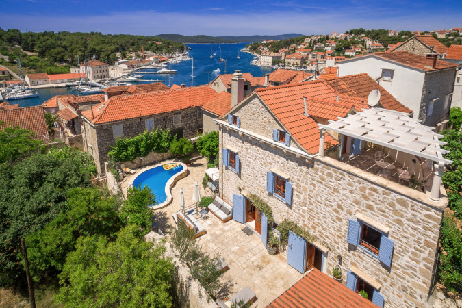 Villa Vicina, Villas with pool, holiday houses and hotels in Croatia - Charming Croatia