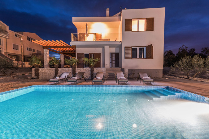 Holiday Home Sunshine , Villas with pool, holiday houses and hotels in Croatia - Charming Croatia