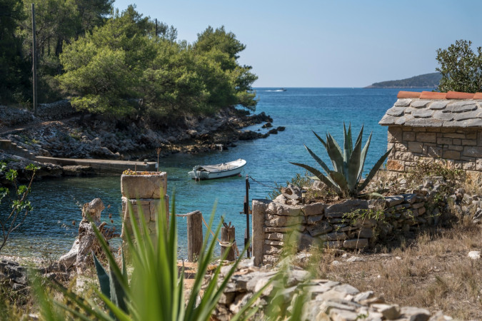 Robinson Holiday Home, Villas with pool, holiday houses and hotels in Croatia - Charming Croatia