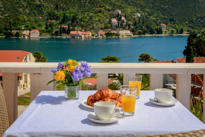 I &P Penthouse with pool , Villas with pool, holiday houses and hotels in Croatia - Charming Croatia