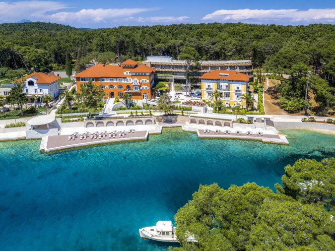 Boutique Hotel Alhambra, Vacation villas, apartments and hotels in Croatia - Charming Croatia  - Apartmanica