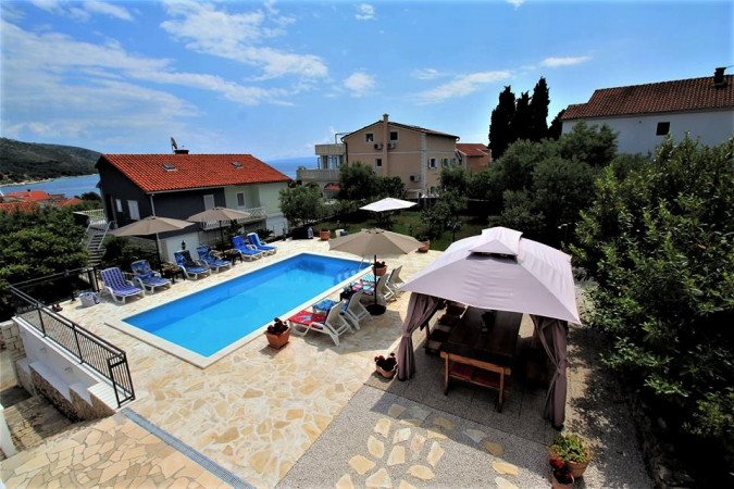 Villa Mendula, Villas with pool, holiday houses and hotels in Croatia - Charming Croatia