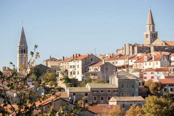 Buje, Vacation villas, apartments and hotels in Croatia - Charming Croatia  - Apartmanica