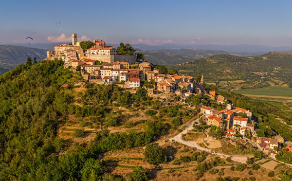 Motovun, Vacation villas, apartments and hotels in Croatia - Charming Croatia  - Apartmanica