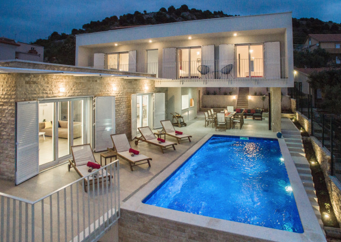 Villa La Perla , Villas with pool, holiday houses and hotels in Croatia - Charming Croatia