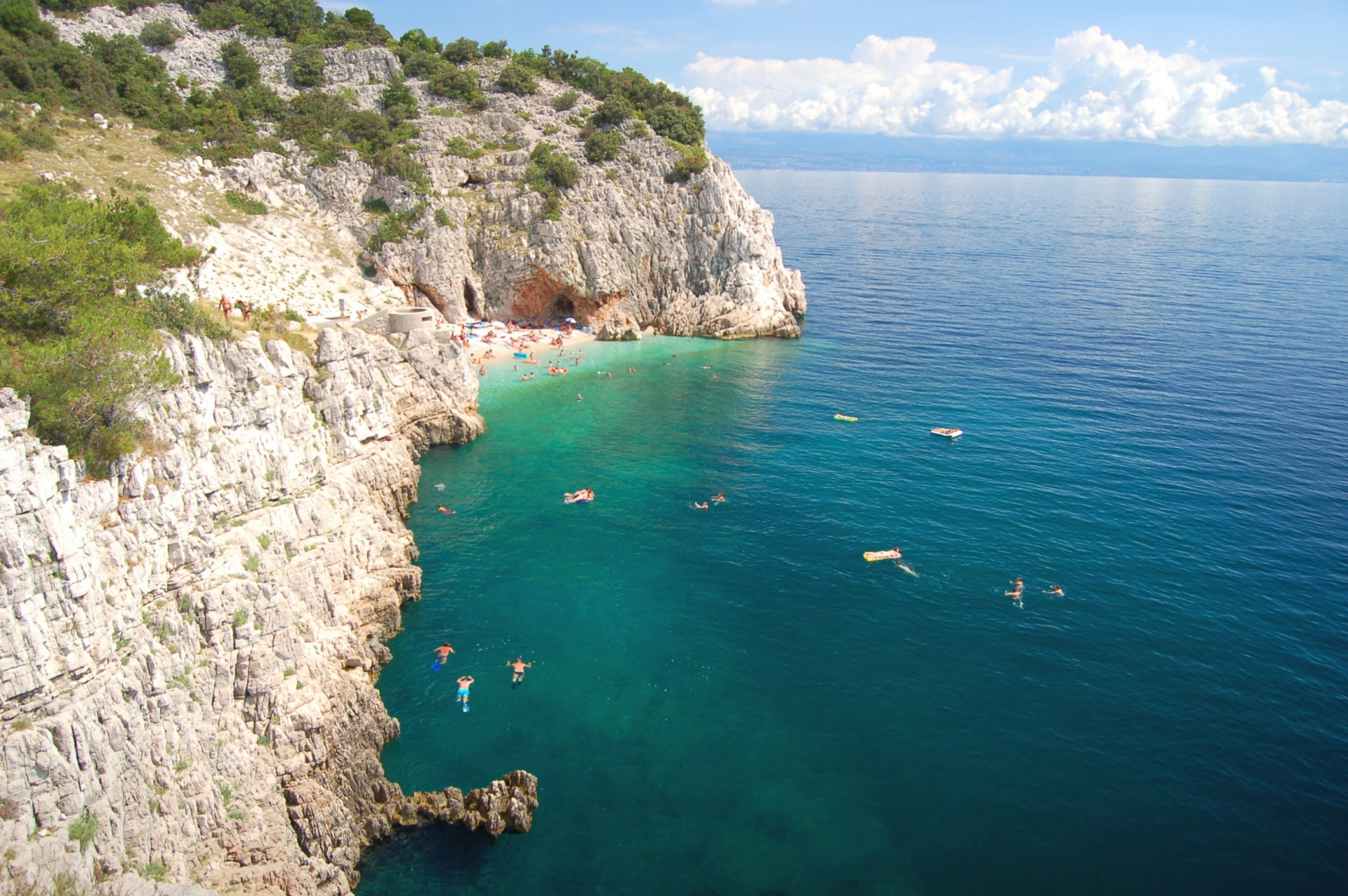 Discover your perfect stay, Vacation villas, apartments and hotels in Croatia - Charming Croatia