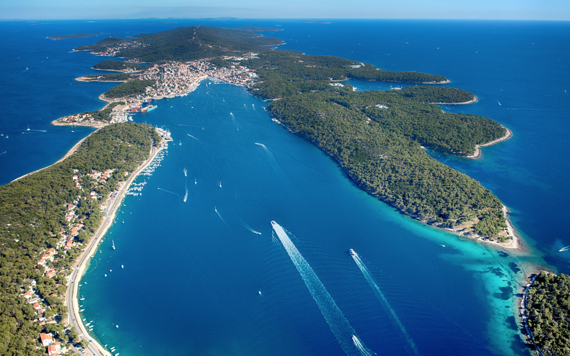 Save 30% on luxury accommodation on the island of vitality, Vacation villas, apartments and hotels in Croatia - Charming Croatia